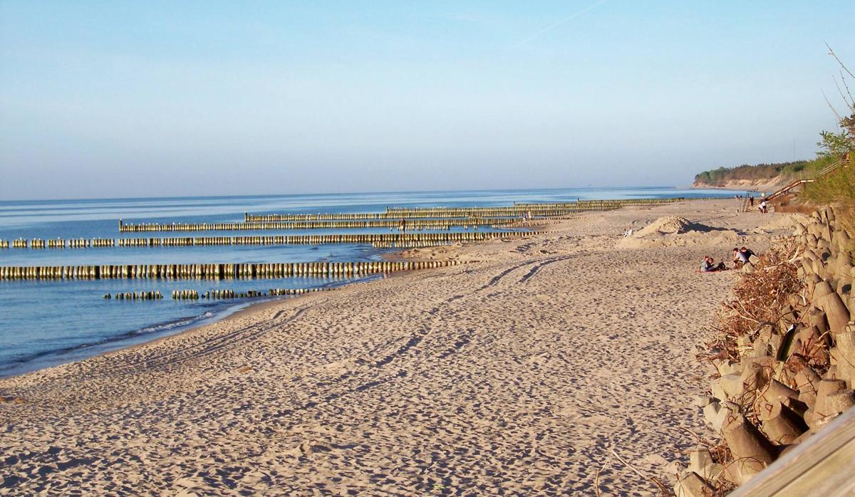 Spaceruj po plaży Ustronia Morskiego